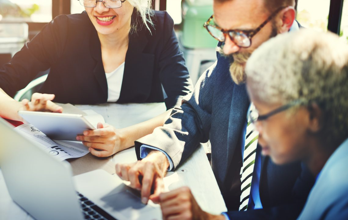 interacao-entre-startup-grande-corporacao-e1540469024341 Corporate Venture Capital e Corporate Venture Builder: Modelos De Inovação Entre Startup e Grandes Corporações